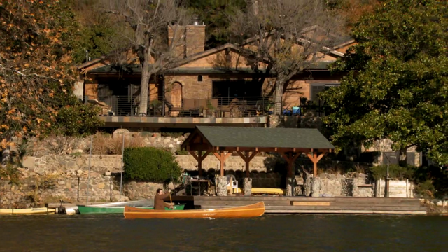 File:Donna's Lake House.png
