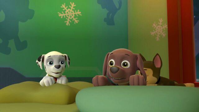 File:PAW.Patrol.S01E16.Pups.Save.Christmas.720p.WEBRip.x264.AAC 300567.jpg