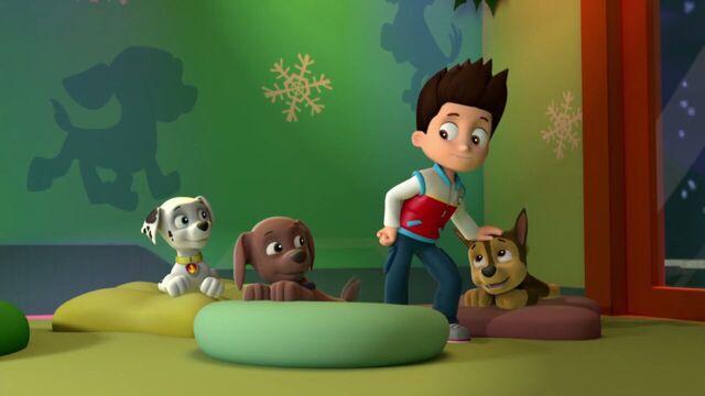 File:PAW.Patrol.S01E16.Pups.Save.Christmas.720p.WEBRip.x264.AAC 285852.jpg