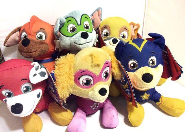 File:PAW Patrol Pup Pals - Super Pups Plush Figures Set.JPG