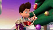 PAW.Patrol.S01E16.Pups.Save.Christmas.720p.WEBRip.x264.AAC 114114