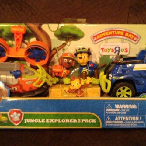 2-pack vehicle set with Zuma's hovercraft & Mandy figure (Toys