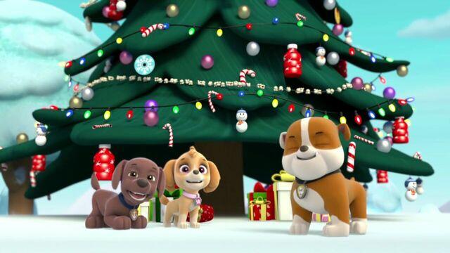 File:PAW.Patrol.S01E16.Pups.Save.Christmas.720p.WEBRip.x264.AAC 1327326.jpg