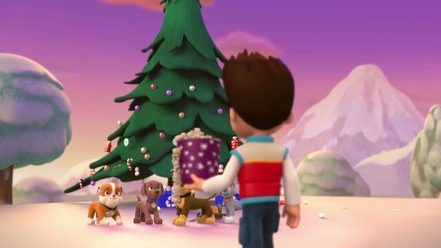 File:PAW.Patrol.S01E16.Pups.Save.Christmas.720p.WEBRip.x264.AAC 73840.jpg