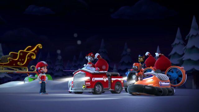 File:PAW.Patrol.S01E16.Pups.Save.Christmas.720p.WEBRip.x264.AAC 780113.jpg