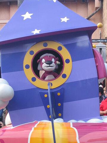 File:Disneystarsandmotorcarsparadejelly.jpg