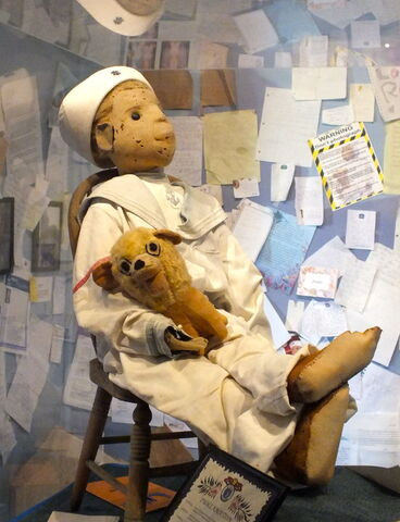 File:Robert The Doll (5999680656).jpg