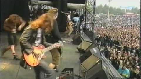 Why Go - Pearl Jam - Live In Pinkpop 1992 HD