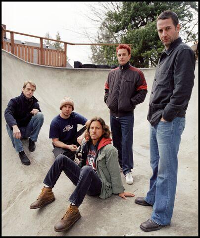 File:DC-Pearl Jam 2006-12.jpg