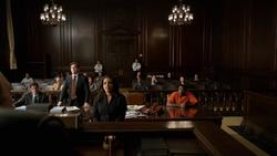 1x12 - Andrea court