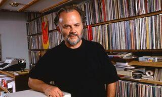 John-Peel-with-his-record-008