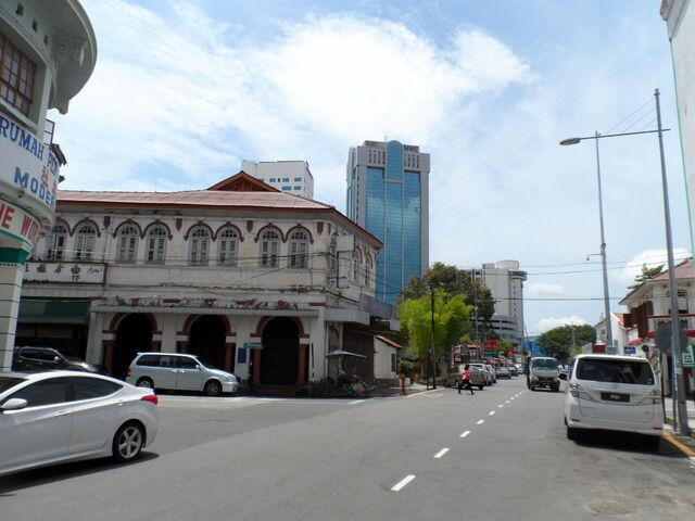 File:Lum Foong Hotel, Muntri Street, George Town, Penang (2).JPG