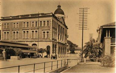 File:Downing Street, George Town, Penang (old 3).JPG