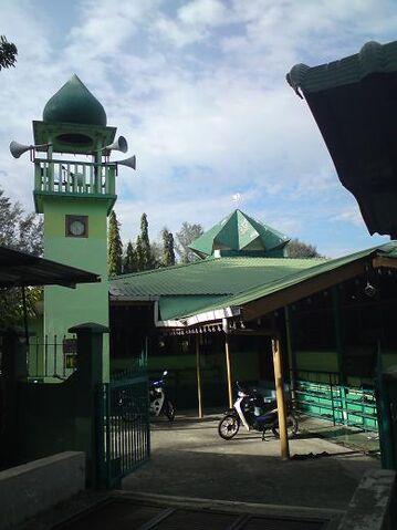 File:Masjid Jamek Sungai Gelugor, Penang.jpg