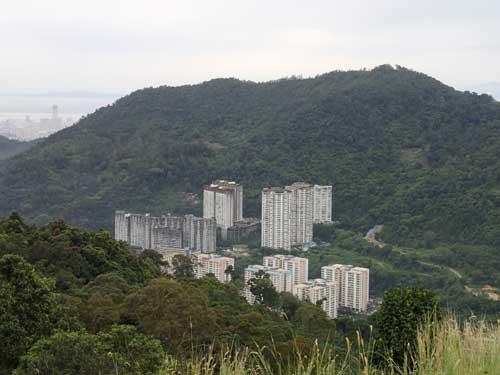 File:Paya Terubong flats, George Town, Penang.jpg