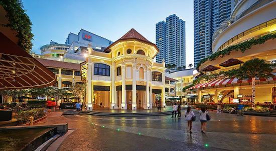 File:Gurney Paragon (night), George Town, Penang.jpg