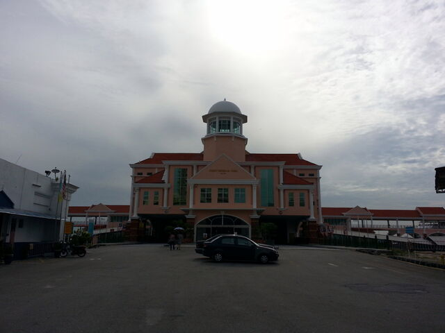 File:Swettenham Pier, George Town, Penang.jpg