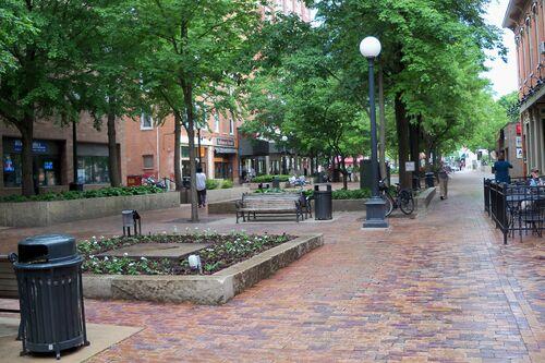 Downtown-iowa-city