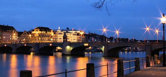 File:800px-Mittlere Brücke.jpg