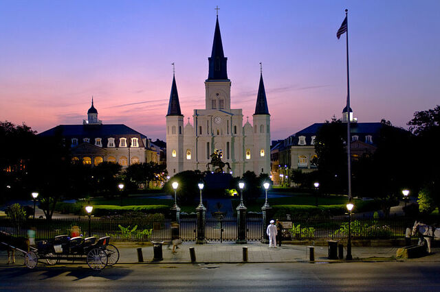 File:800px-Stlouiscathedralnight.jpg