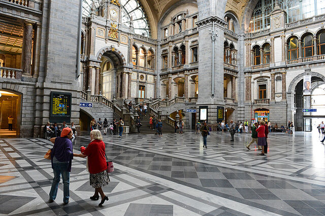 File:Gorgeous Antwerp Central Station.jpg