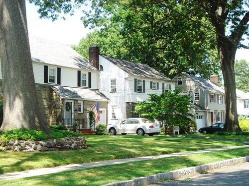 Quiet-street-in-the-livingston-section-of-union-new-jersey