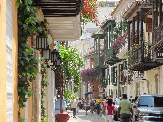 File:Old-town-cartagena.jpg