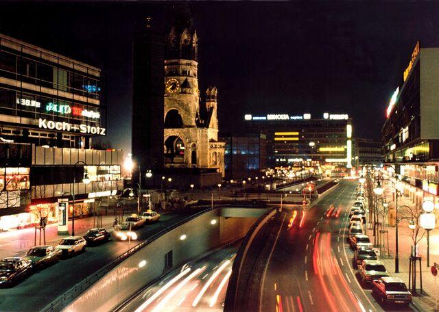 File:Berlin-city-night.jpg