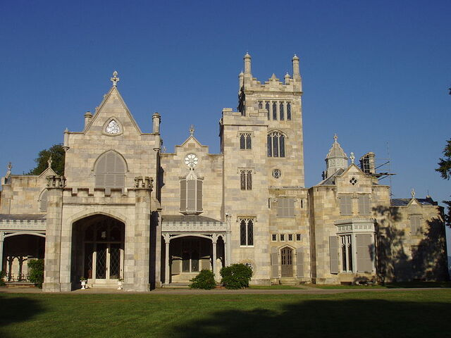 File:Lyndhurst, the mansion of Jay Gould.jpg