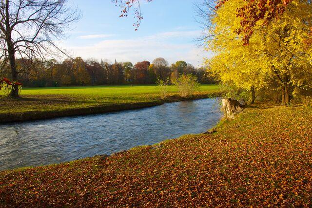 File:Fall foliage, English Garden, Munich.jpg