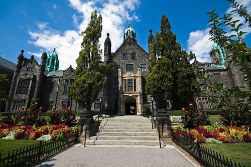 File:University-avenue-toronto-onto041.jpg