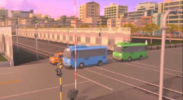 File:Railroad Crossing on Tayo the Little Bus Cartoon(Good Friends) 11.png