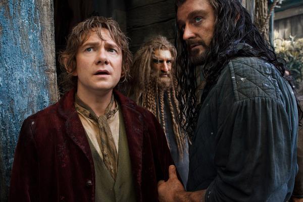 File:Bilbo, Thorin, and Nori at Lake-town.jpg