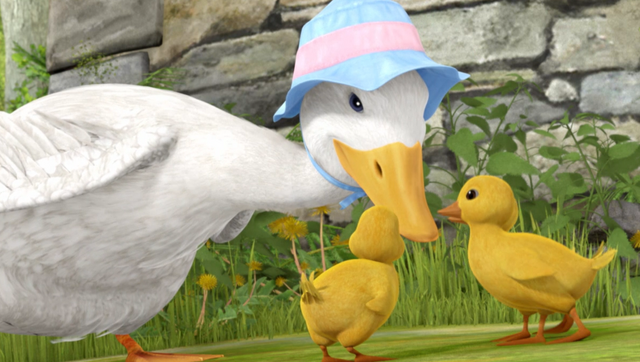 File:Mother-Duck-With-Her-Ducklings.png
