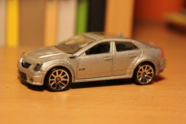 File:Cadillac CTS-V 01.JPG