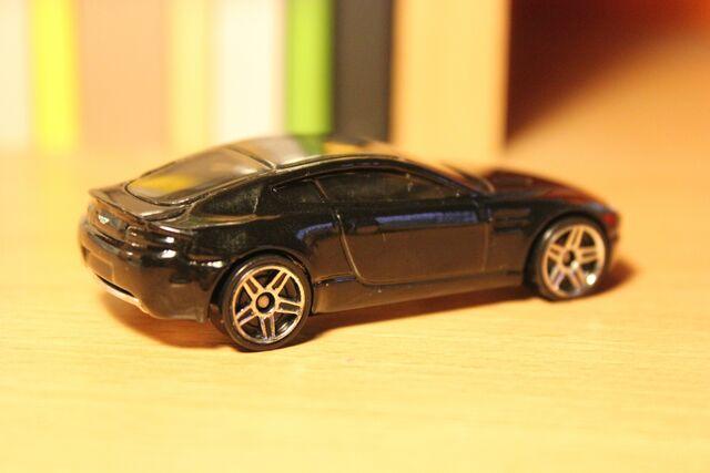 File:Aston Martin V8 Vantage 02.JPG