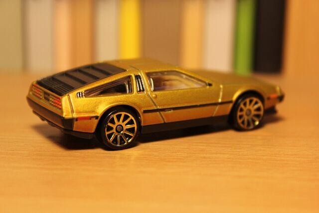 File:DeLorean 02.JPG