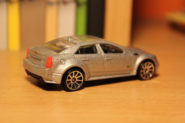 File:Cadillac CTS-V 02.JPG
