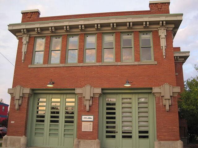 File:Phaluhm Glos Fire station.jpg