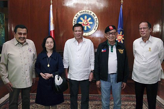 File:Rodrigo Duterte and his predecessors (Ramos, Estrada, Arroyo and Aquino III).jpg