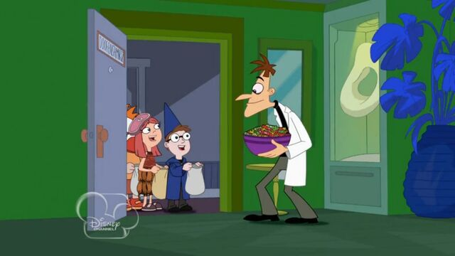 File:Doofenshmirtz greats the trick or treaters.jpg