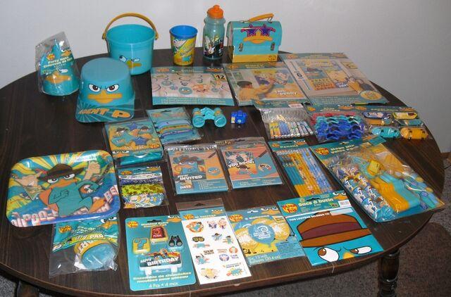 File:DesignWare 2012 party supplies sampler.jpg