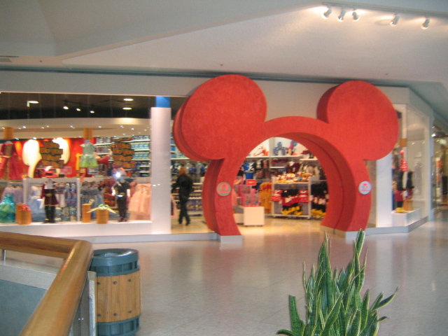 "File:Disney Store ""Pixie Dust Version"" Entrance.jpg"