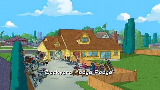Tập tin:Backyard Hodge Podge title card.jpg