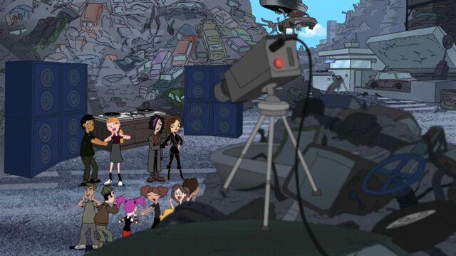 File:Dancing at the scrap yard party..jpg