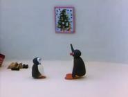 Pingu'sFamilyCelebrateChristmas4