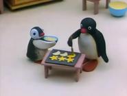 Pingu'sFamilyCelebrateChristmas8