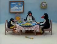 PinguRunsAway1