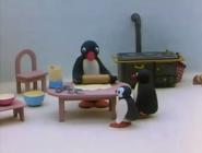 Pingu'sFamilyCelebrateChristmas5