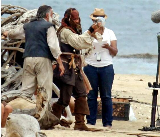 File:Depp McNally POTC4 Set.jpg